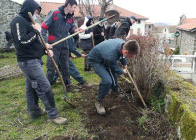 jardin-medieval-a-polignac-par-les-apprentis-paysagistes