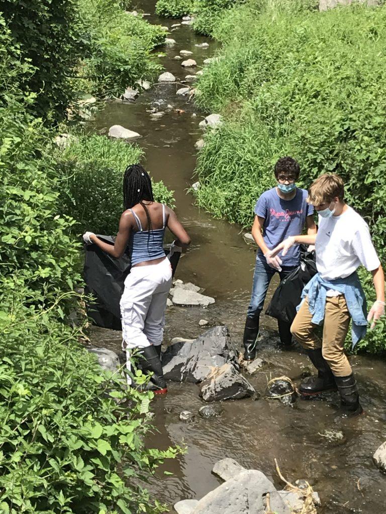 les-eleves-de-bac-stav-participent-a-la-semaine-de-lenvironnement